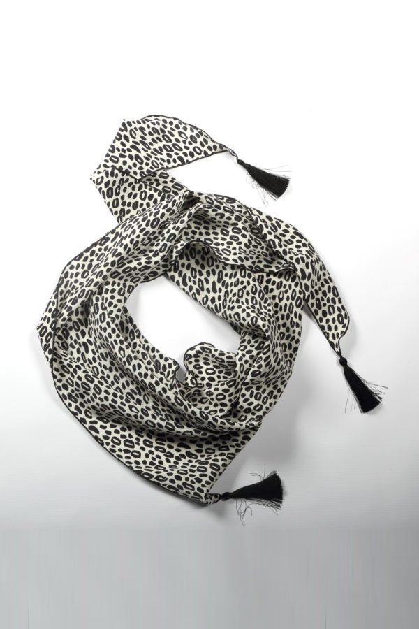 Scarf with mini leo print, black and white, pure silk