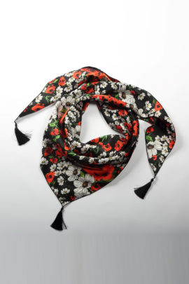 Scarf summer meadow