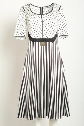 Dress black & white contrasts
