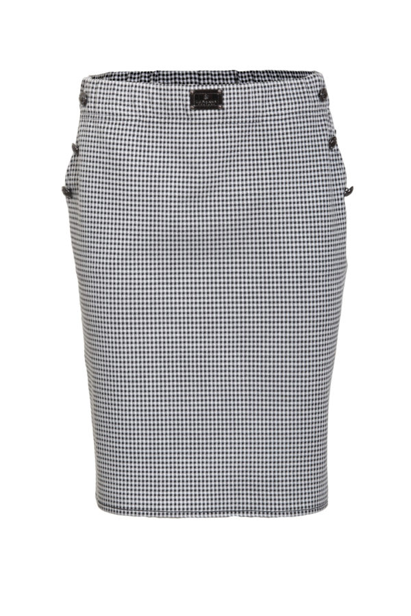 Skirt with pockets and 6 buttons