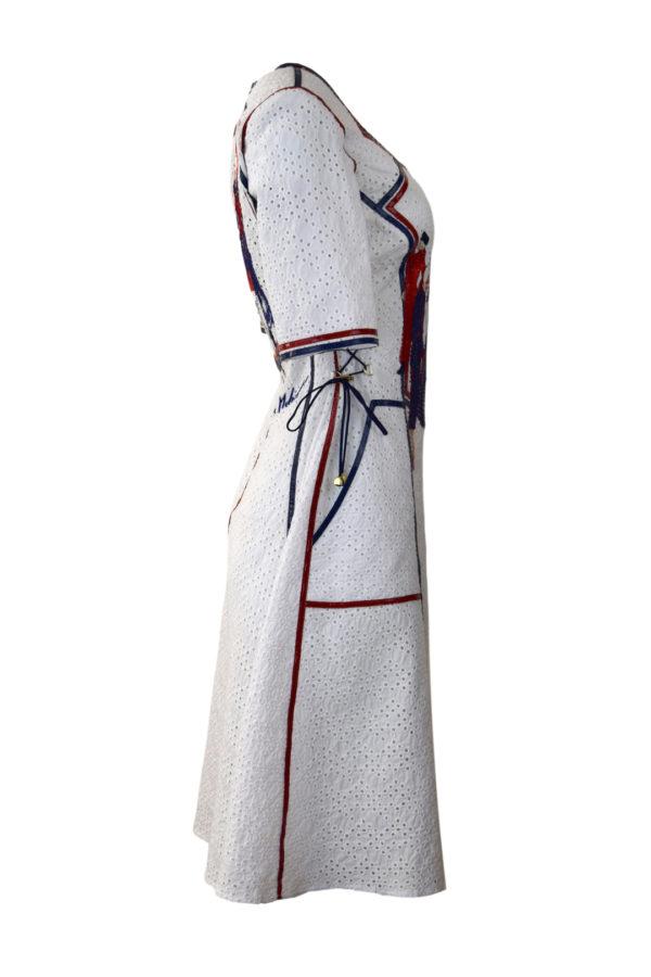 """Kleid mit """"fashion-embroidery"""" und Lackkontrasten, bestickte Baumwolle"""