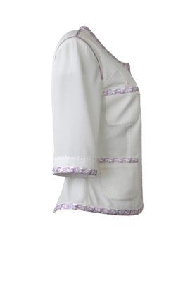 Jacke, mit gestickter klassischer Bordüre in weiß-flieder, Kurzarm