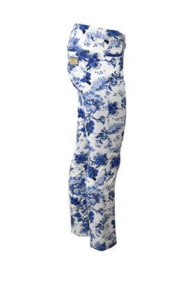Jeans, mit Paisleymuster und Goldnieten im Diamond-Style, weiß-royalblau