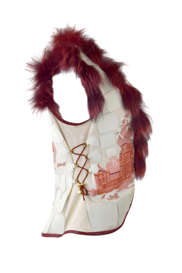 """Weste mit """"gobelin-embroidery"""" Nappalederpatches und Fuchsverbrämung, Multisize"""